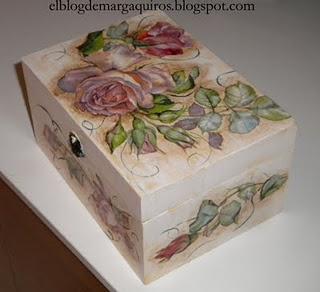 Caja de madera pintada y decorada con servilletas - Decorar cajas de madera con servilletas ...