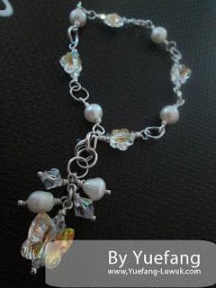 Flowery_bracelet_with_Swarovski_flower_5744