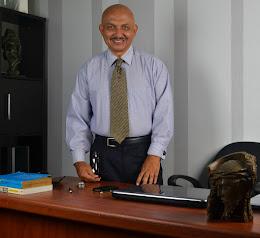 Director de la firma de consultoría