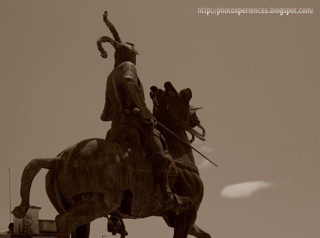 Estatua ecuestre de Francisco de Pizarro en Trujillo. Equestrian statue.