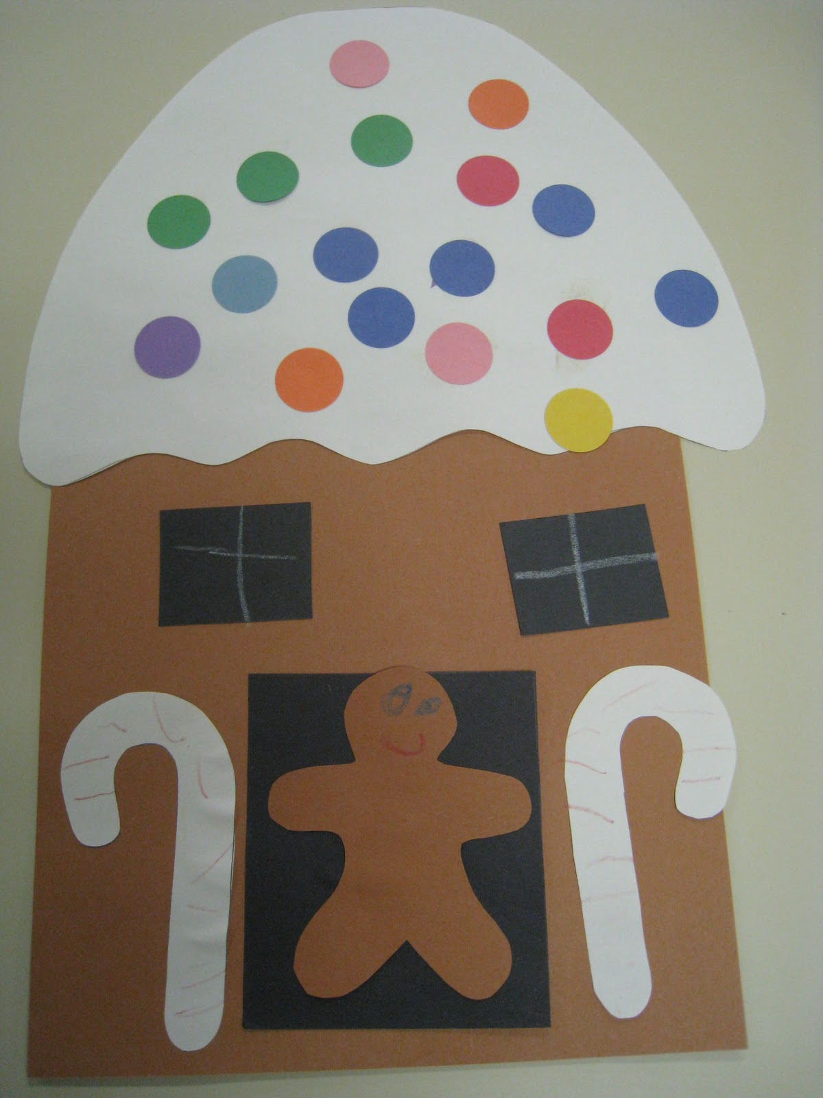 Mrs russell 39 s class gingerbread fun for Gingerbread crafts for kindergarten