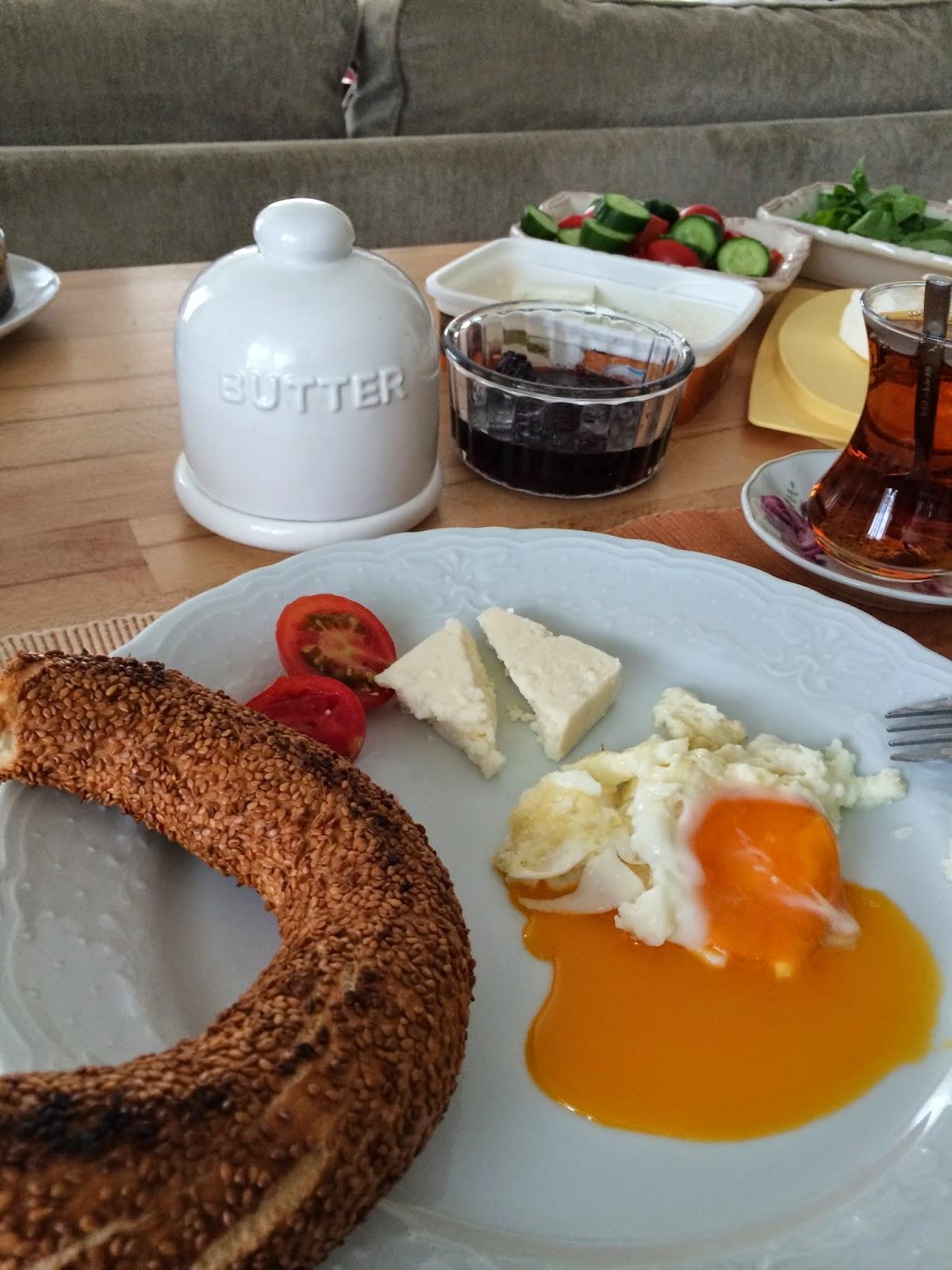 yalnız kahvaltı
