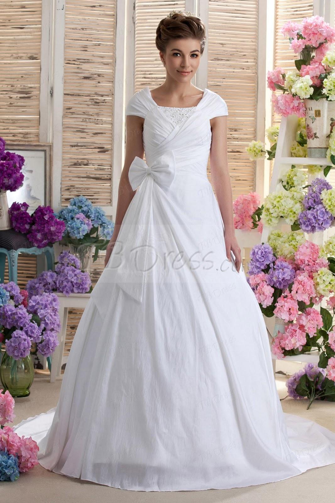 Lace wedding dresses for bride choosing nice cheap casual for Nice cheap wedding dresses