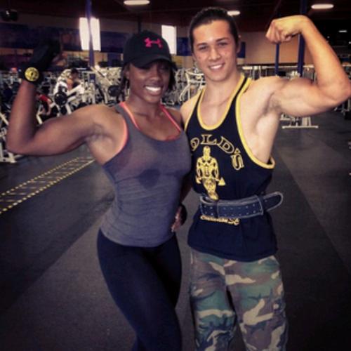 Leo Howard Muscles Leo ma mega mięśnie,