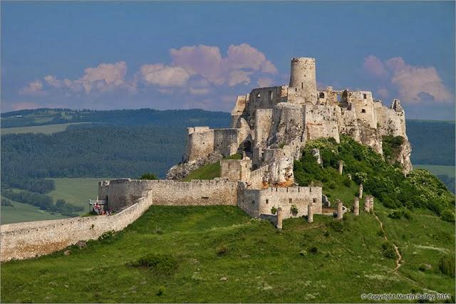 10 Benteng Terbesar di Dunia