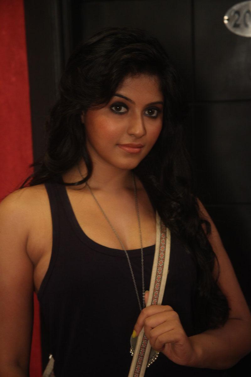 Anjali And Hansika In Crazy Movie Stills Telugu Movies Nandamuri