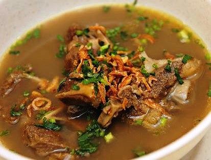 sup tulang sebenarnya aku teringin sangat2 nak makan sup tulang ari tu
