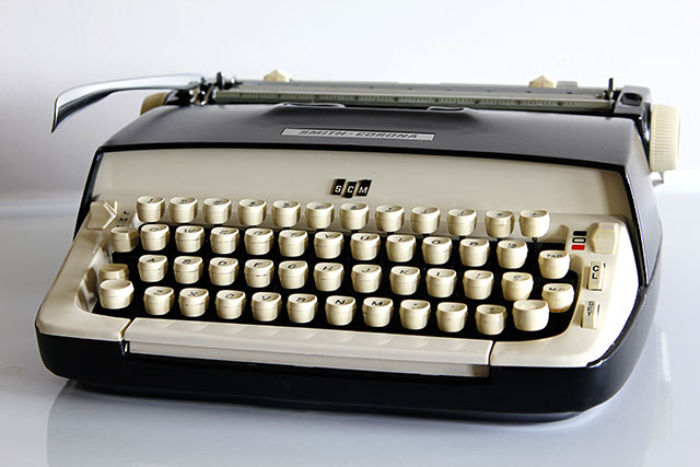 Top ten tips for making the most out of your thrift store experience - 1960's Royal Galaxie Typewriter