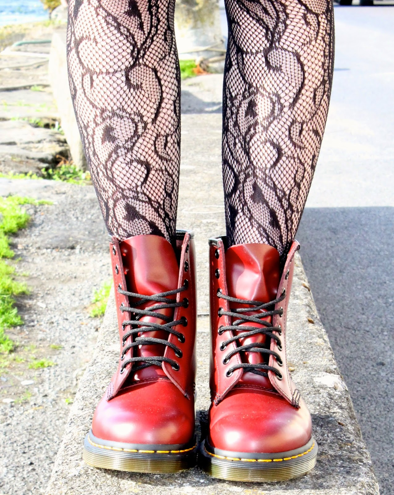 cherry red dr martens classic 1460
