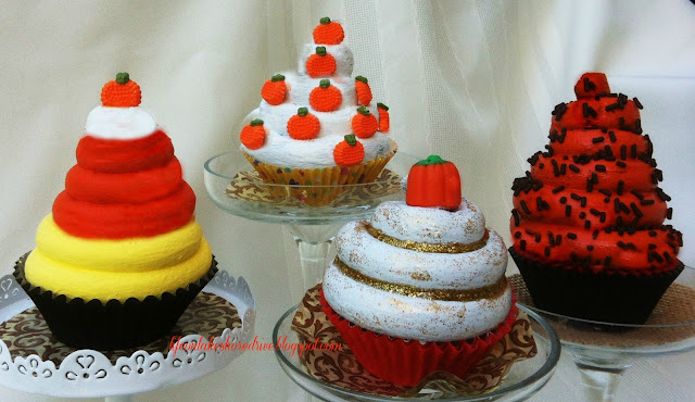"alt=""Fall Faux Cupcake tutorial Decor Mini Cupcake stands"""