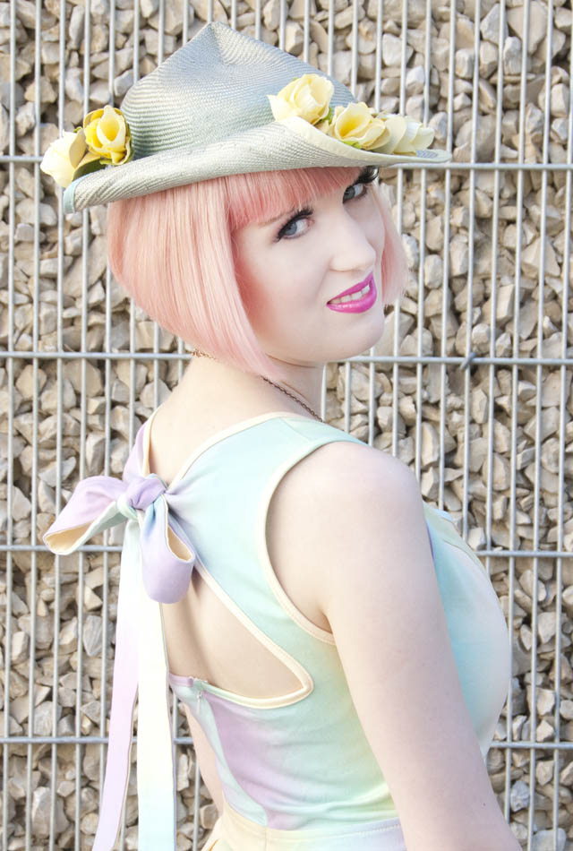 dress with bow, flower hat, wedding outfit, pastel hair