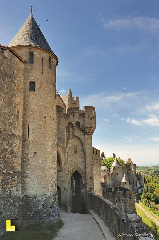 Le magnifique rempart ouest de Carcassonne photo pascal blachier