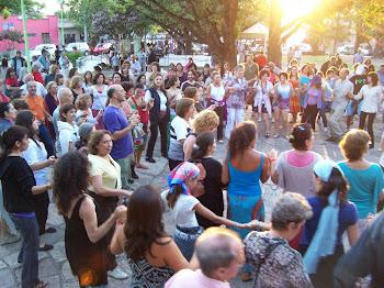 Danzamos en la Plaza de Villa Giardino