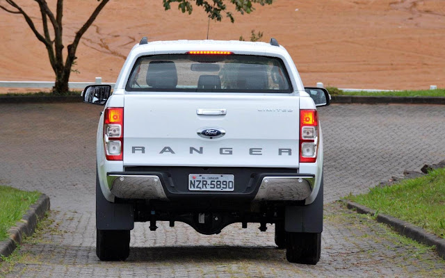 Além do equipamento detalhado, a Ranger XL Safety conta com abertura