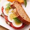 البيض المسلوق وجبة فطور صحي