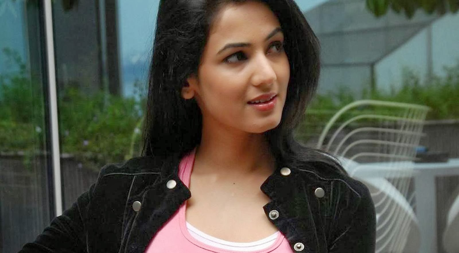 SONAL CHAUHAN_WALLSTOWN_IN_BOLLYWOOD ACTRESS