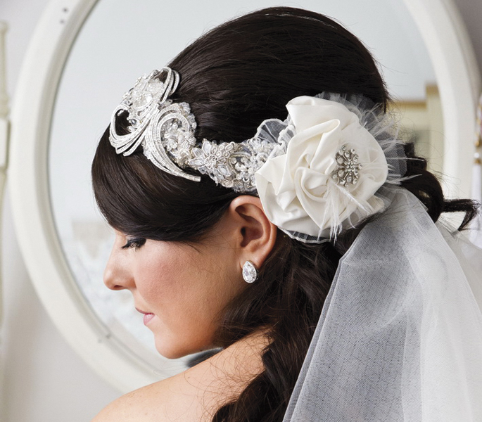 Viktoria can custommake a bridal headpiece for you your bridesmaids