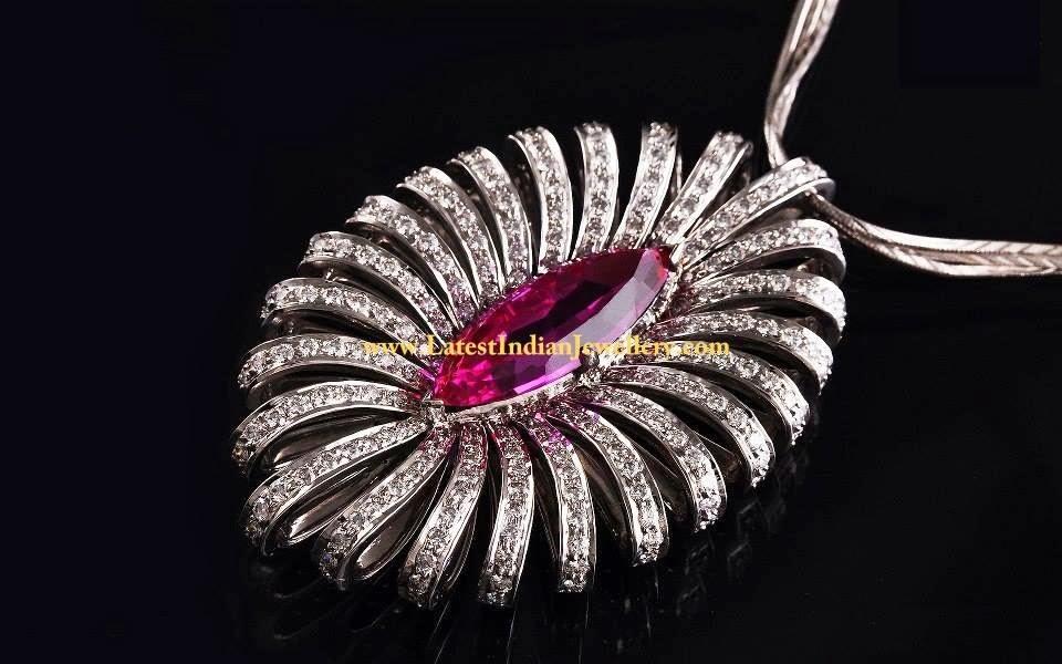 Vibrant Diamond Pendant