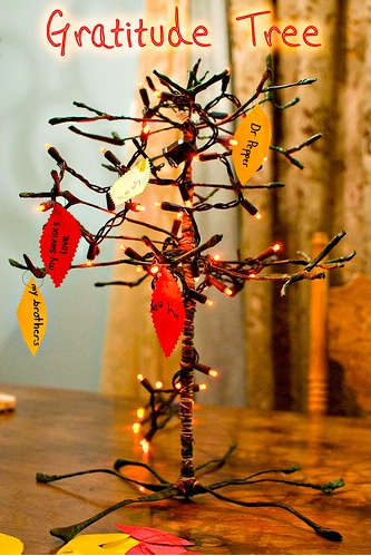 Thanksgiving Craft Ideas on Have Fun     Do Good  5 Gratitude Tree Ideas For Thanksgiving