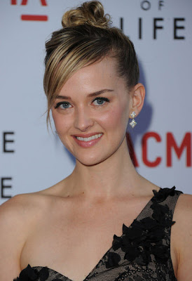 Jess Weixler Dangling Diamond Earrings