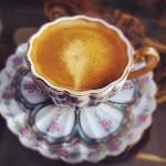 والقهوة لا تُشرب على عجل. القهوة أخت الوقت. تحتسى على مهل.. على مهل.