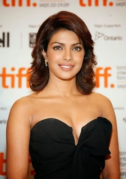 Priyanka Chopra'sBackless without clothes bra undressed sexy hot rare unseen pics hd