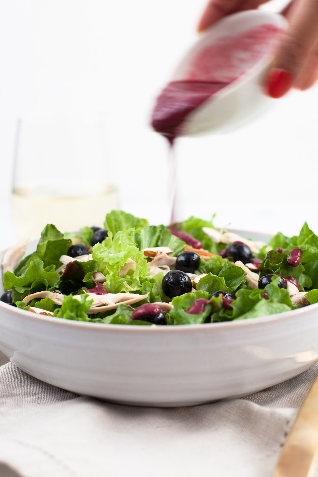 Blueberry Chicken Salad with Berry vinaigrette / blog.jchongstudio.com
