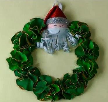 Manualidades navide as c mo hacer una corona de navidad - Como hacer coronas navidenas ...