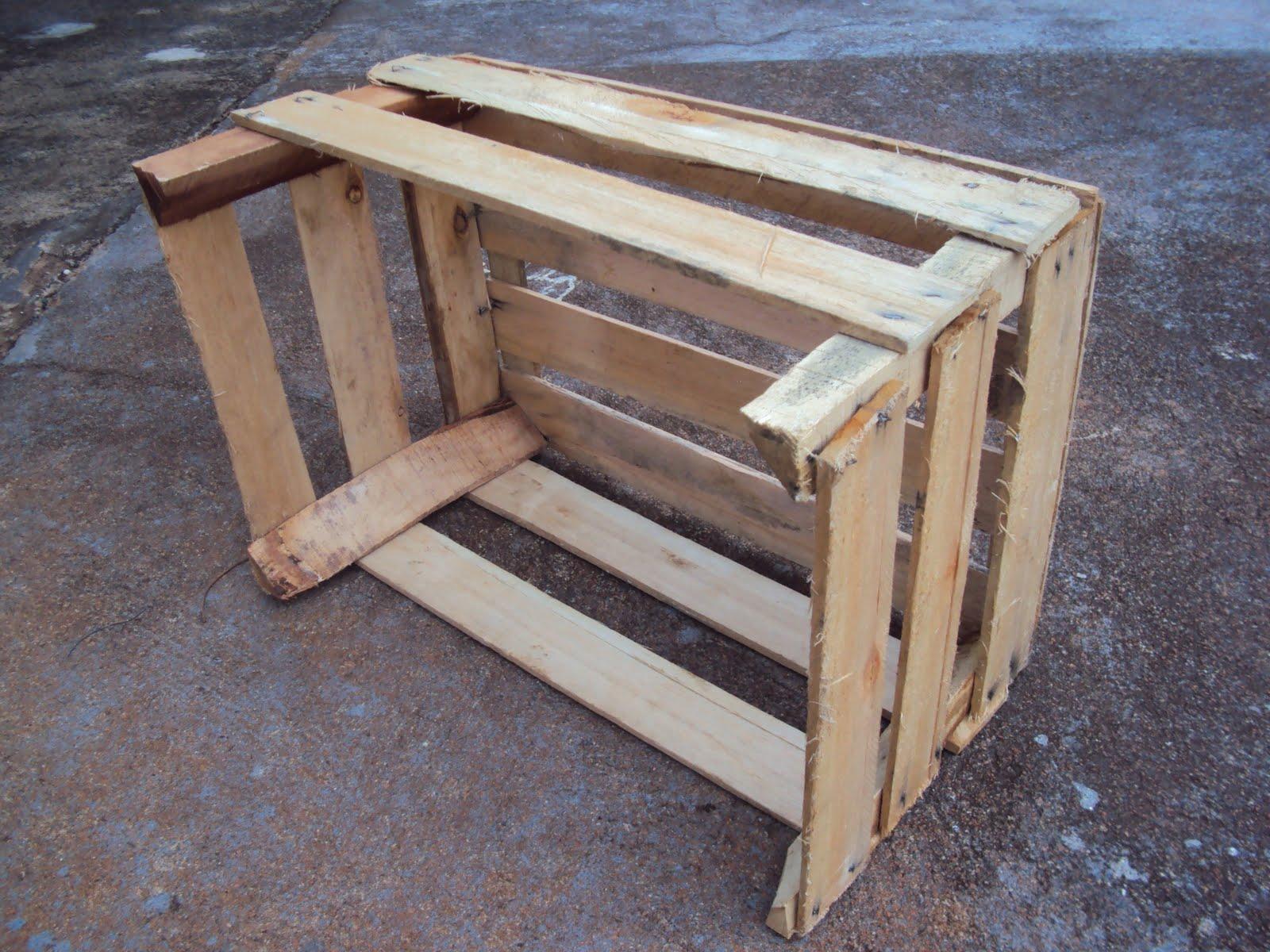Como prometido segue como fazer um caixote virar uma peça de  #455F86 1600x1200