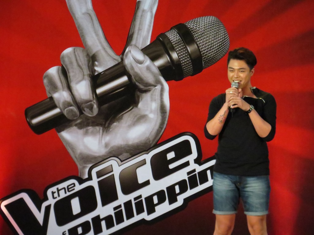 The Voice of the Philippines 2013.  Good thing I have my camera for impromptu shoot! It was quite stellar and entertaining albeit the 4 Coaches were missing. ( Photographs by Bernard Eirrol Tugade