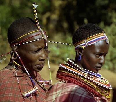 Modificacion corporal en África, mujeres masái, http://distopiamod.blogspot.com.es