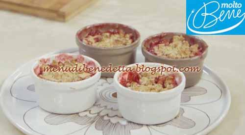 Crumble di prugne ricetta Parodi per Molto Bene su Real Time