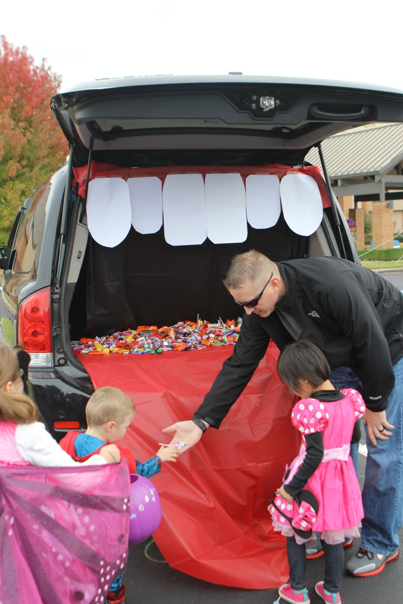 Trunk or Treat Idea Monster Mouth