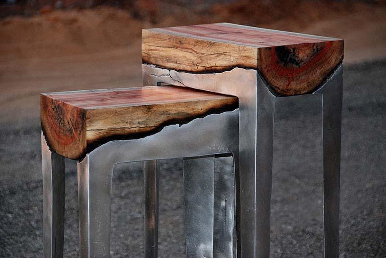 Artista vierte aluminio fundido sobre troncos de árbol para crear piezas únicas de muebles