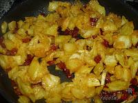 Huevos Rotos con Chorizo-papas y chorizo mezcado