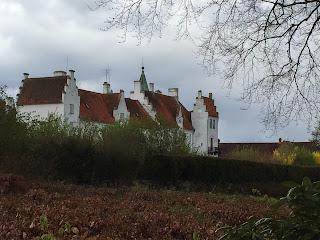 Bosjökloster slott sett från vänster