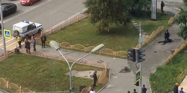 Ρωσία: Επίθεση με μαχαίρι στην πόλη Σουργκούτ – 8 τραυματίες, νεκρός ο δράστης [Βίντεο]