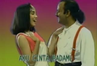 Cinta Dibalas Cinta MP3 - Yus Yunus Feat Murni Chania Dangdut Klasik