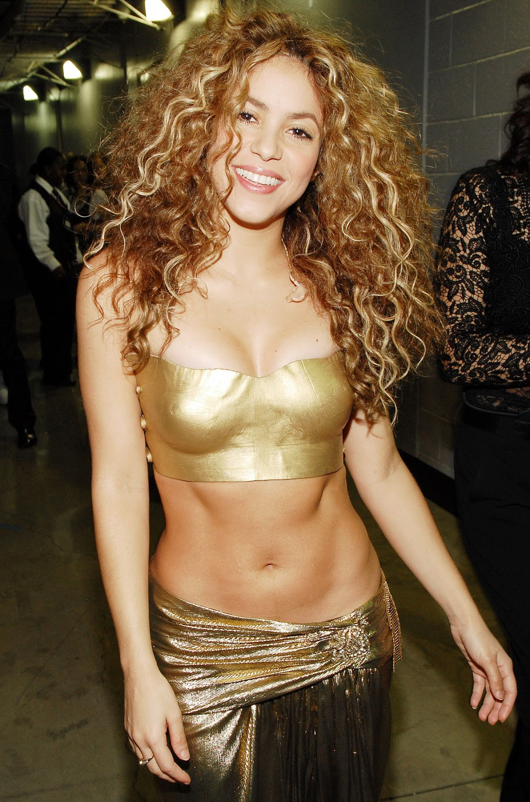 ALL HOLLYWOOD CELEBRITIES: Shakira Profile and Beautiful Photographs ...