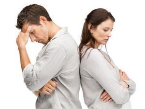 الشجار يطيل عمر الازواج - زواج فاشل تعيس - man-and-woman-couple fighting