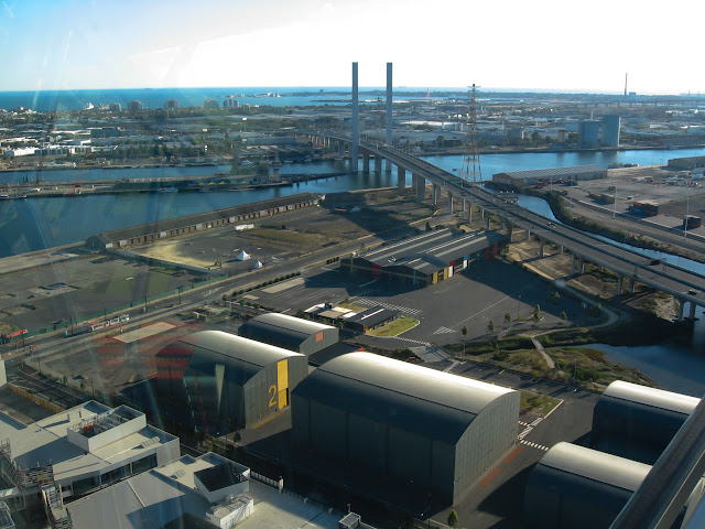 bolte bridge across yarra river