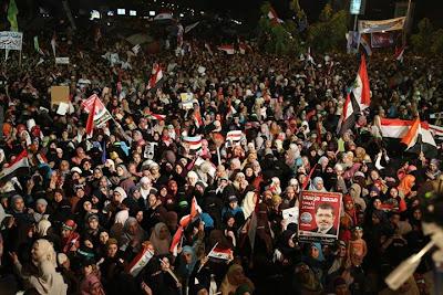 Terkini Perkembangan Di Mesir ( Tumbangnya Kerajaan Mursi Kerana Tentera Yang Berpaling Tadah ) | Penyokong Dr Mursi Berhimpun Seramai 8 Juta Orang  Dan Operasi Tangkapan Telah Bermula