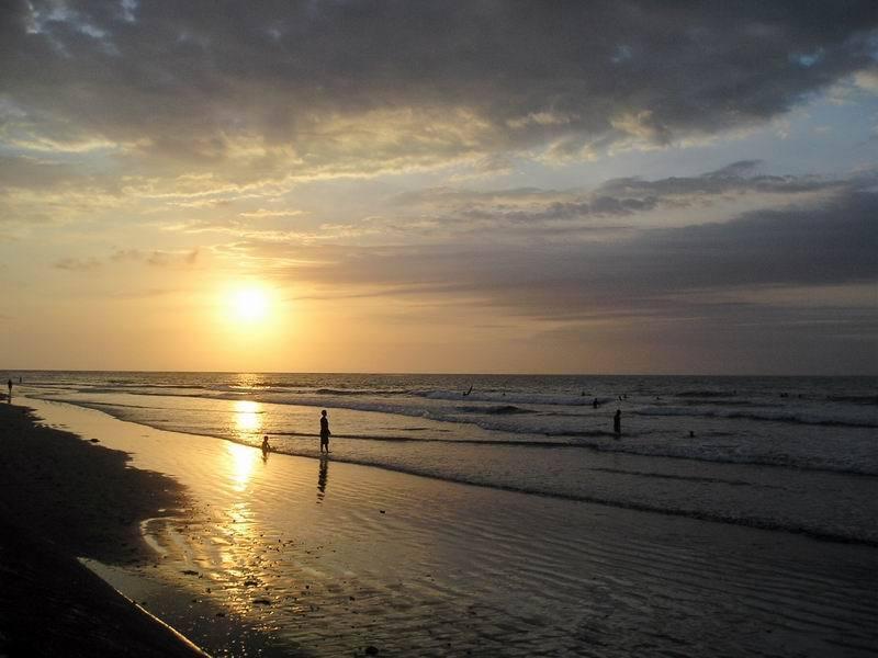 pantai matahari terbenam sunset beach sebagai tandingan dari pantai ...