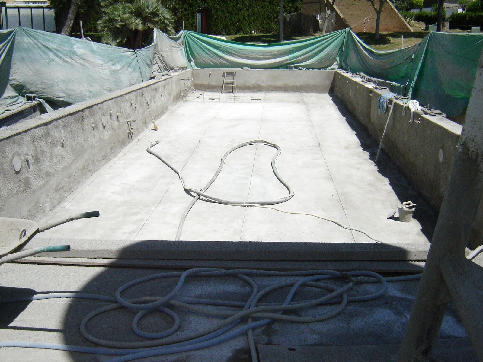 La piscina en un blog la t cnica del gunitado for Disenos de piscinas de hormigon