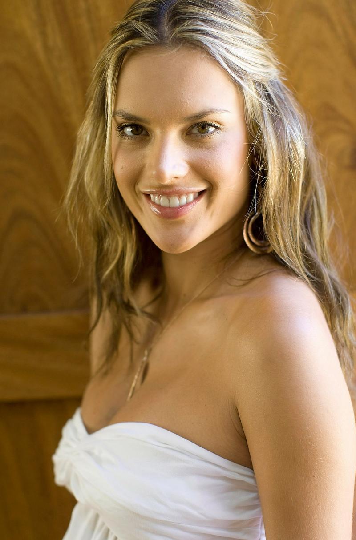 Alessandra Ambrosio - MODELS AN...