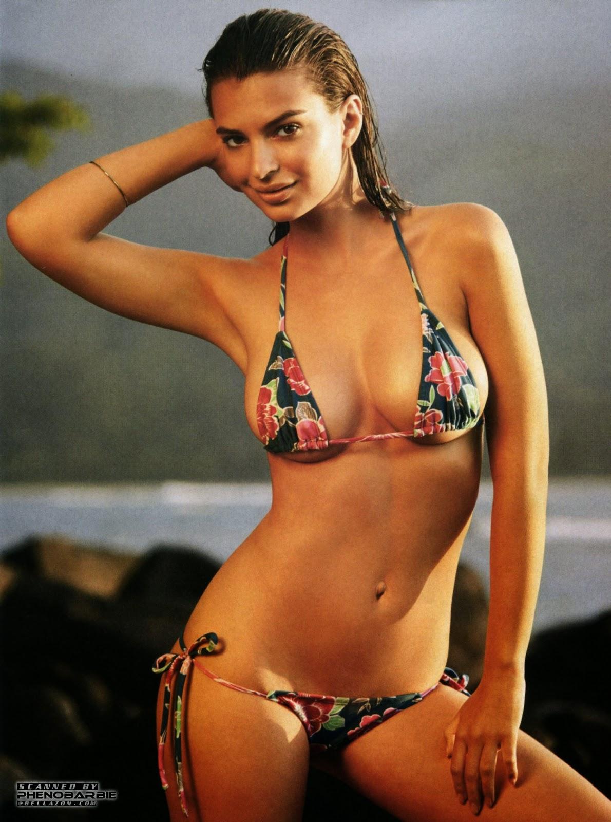 صور إميلي راتاجكوسكي في ملابس السباحة