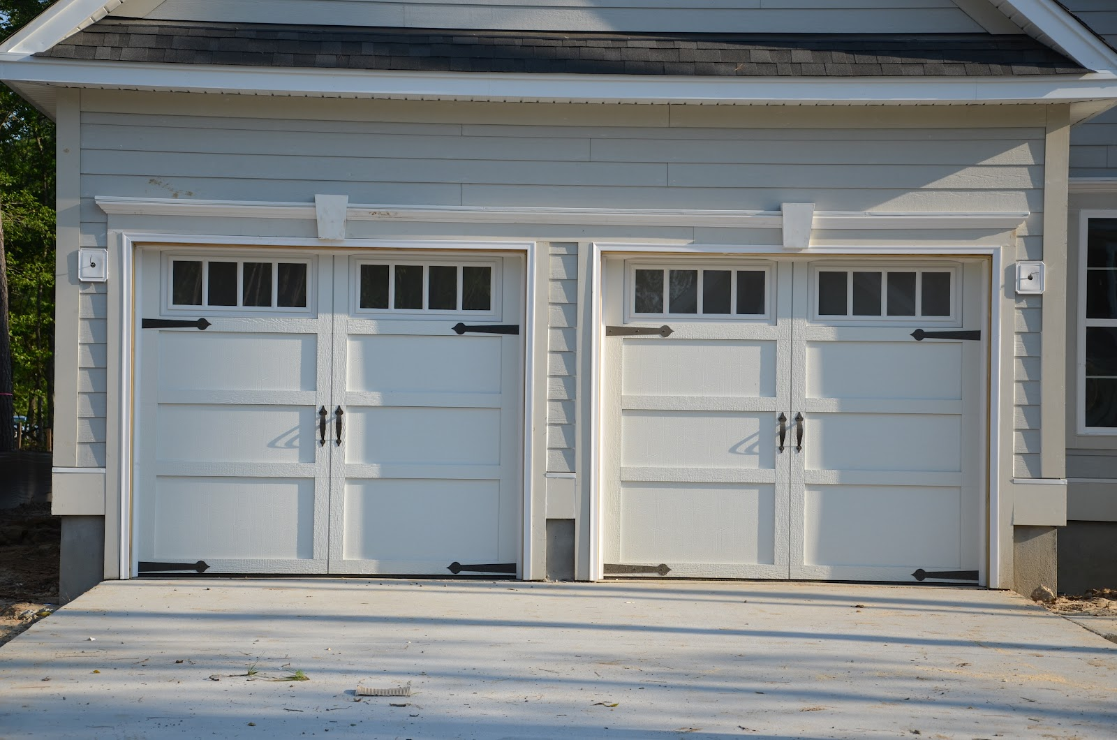 1000 images about carriage doors on pinterest carriage for Carriage garages