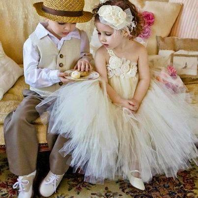 gambar lucu bayi-bayi romantis