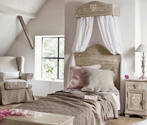 Un dosel en el dormitorio - Cama dosel madera ...