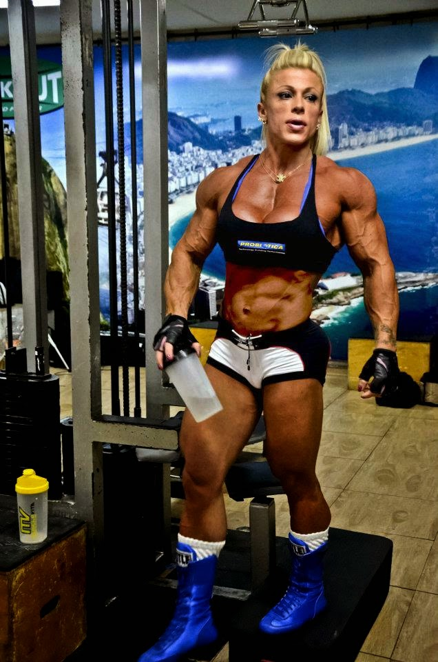 Anne Freitas bodybuilder